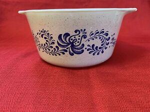 Homestead Blue 473 Pyrex Casserole Dish