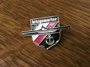 German-Navy-Kriegsmarine-Decoration-Badge-1941-1942-world-war-11