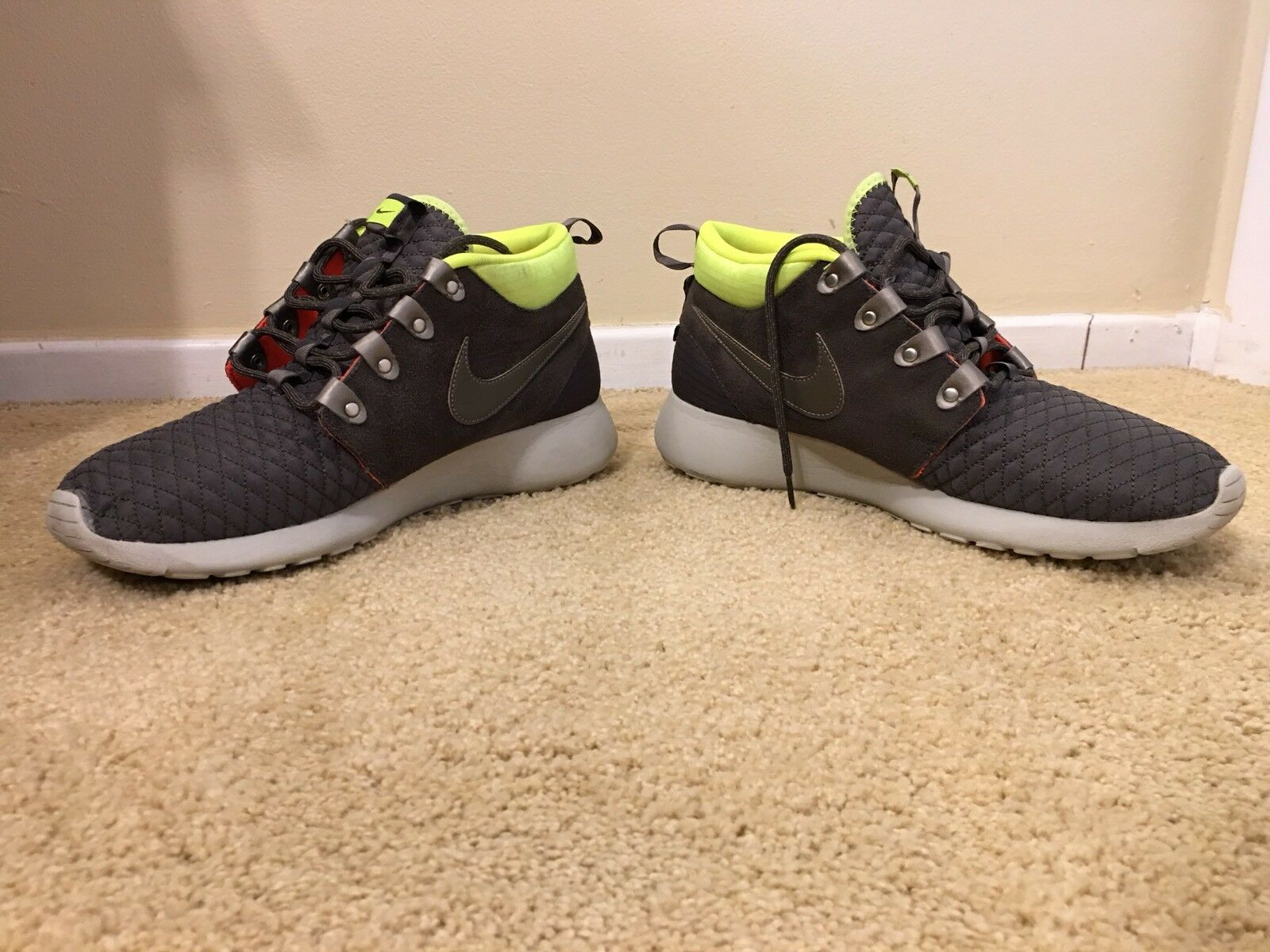 quality design 5227d ff8bc Nike Roshe Run One Mid Winter Sneakerboot Shoes Mens 11 Newsprint 615601  007 for sale online   eBay