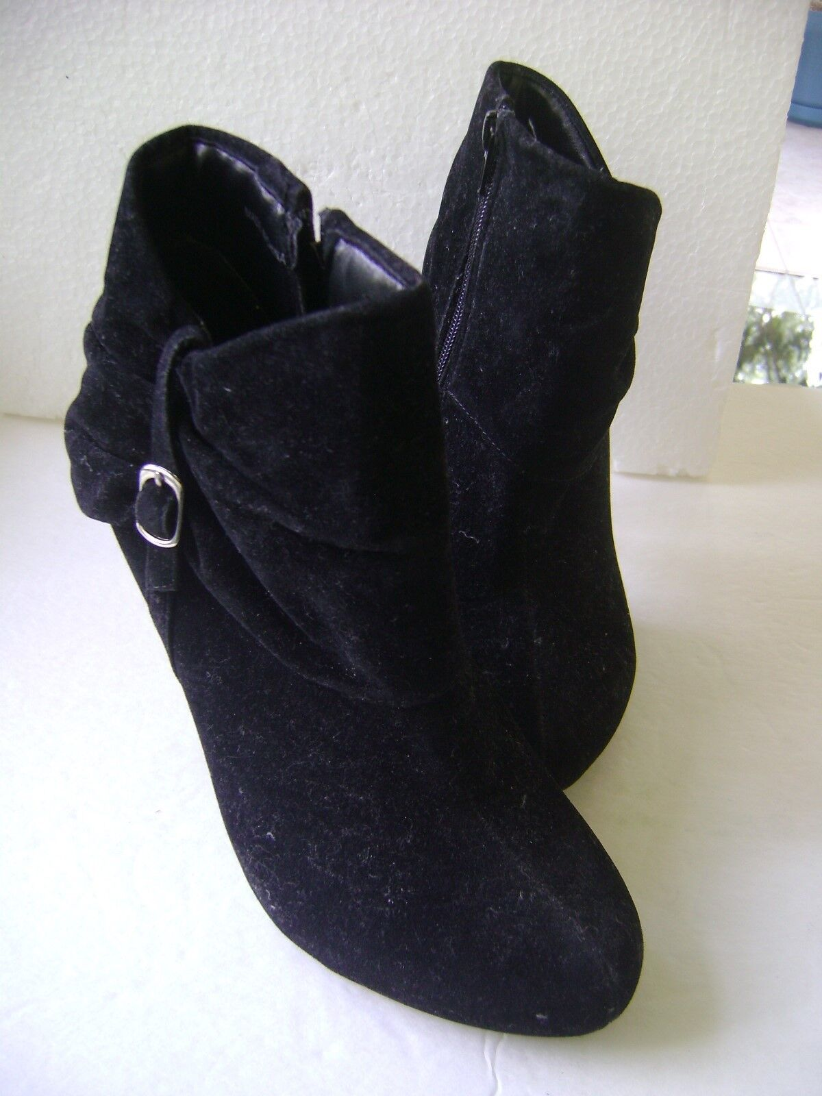 F24 SHORT ANKLE SUEDE BOOTS BLACK 7M WITH FAUX BUCKLES & SIDE ZIPPER