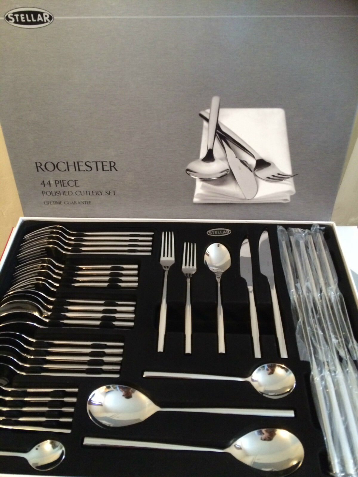 Stellar Rochester 44 Piece 18 18 18 10 Polished Cutlery Set - Boxed - BL58, NEW 89a9a8