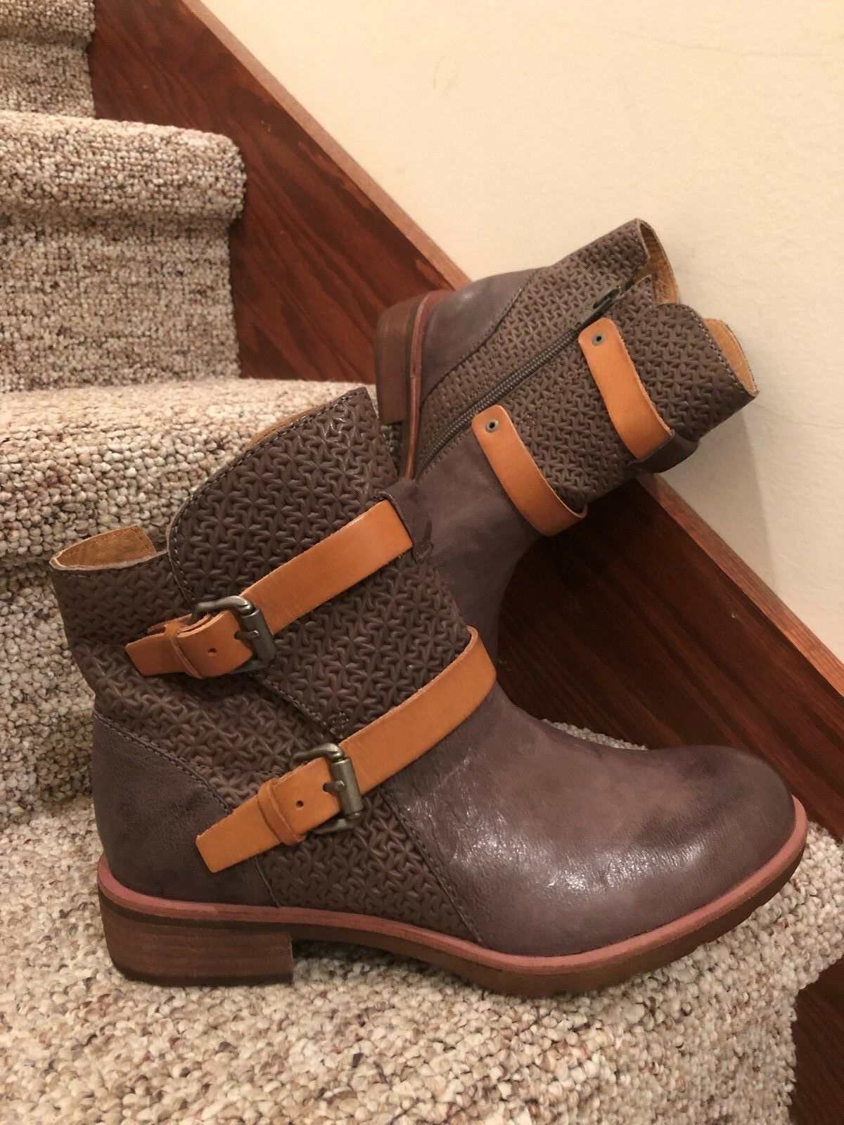 Sofft Baywood Ankle Boot Womens 9M Grey Leather Zipper Buckle Straps Booties New