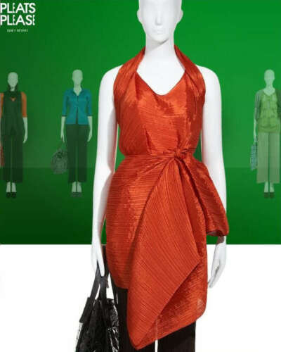 Door Rode Wrap Gorgeous Miyake Sjaal Issey Madame T Pleats Please qCUgw