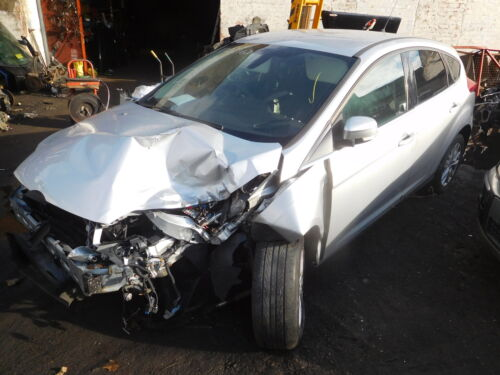 FRONT DRIVER SIDE MOONDUST SILVER FORD FOCUS 2011-2015 DOOR HANDLE EXTERIOR