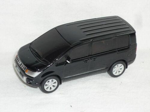 Mitsubishi Delica d:5 2007 negro Transporter 1//64 modellcarsonline modelo au...
