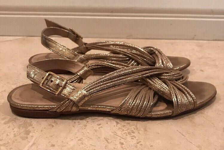 LOEFFLER RANDALL Gold Metallic Leder Strappy Flat Sandale 8B Brazil Very Cute