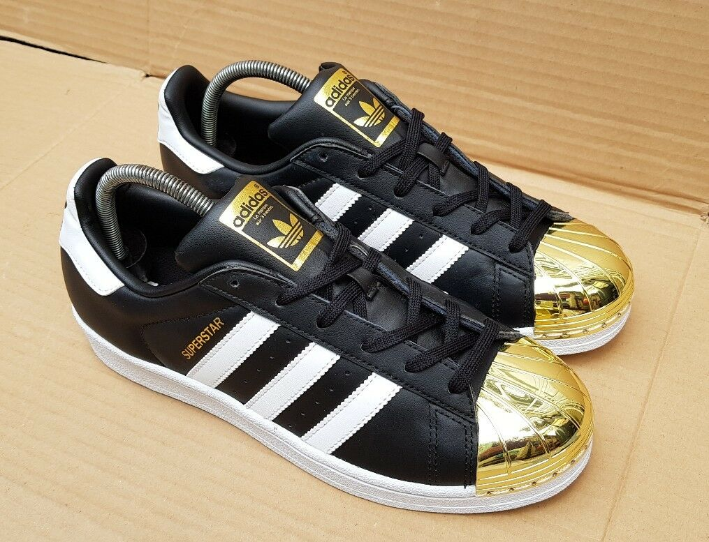 NEW ADIDAS SUPERSTAR TRAINERS BLACK TOE Weiß & GOLD METAL TOE BLACK SIZE 6.5 UK GORGEOUS 590bda