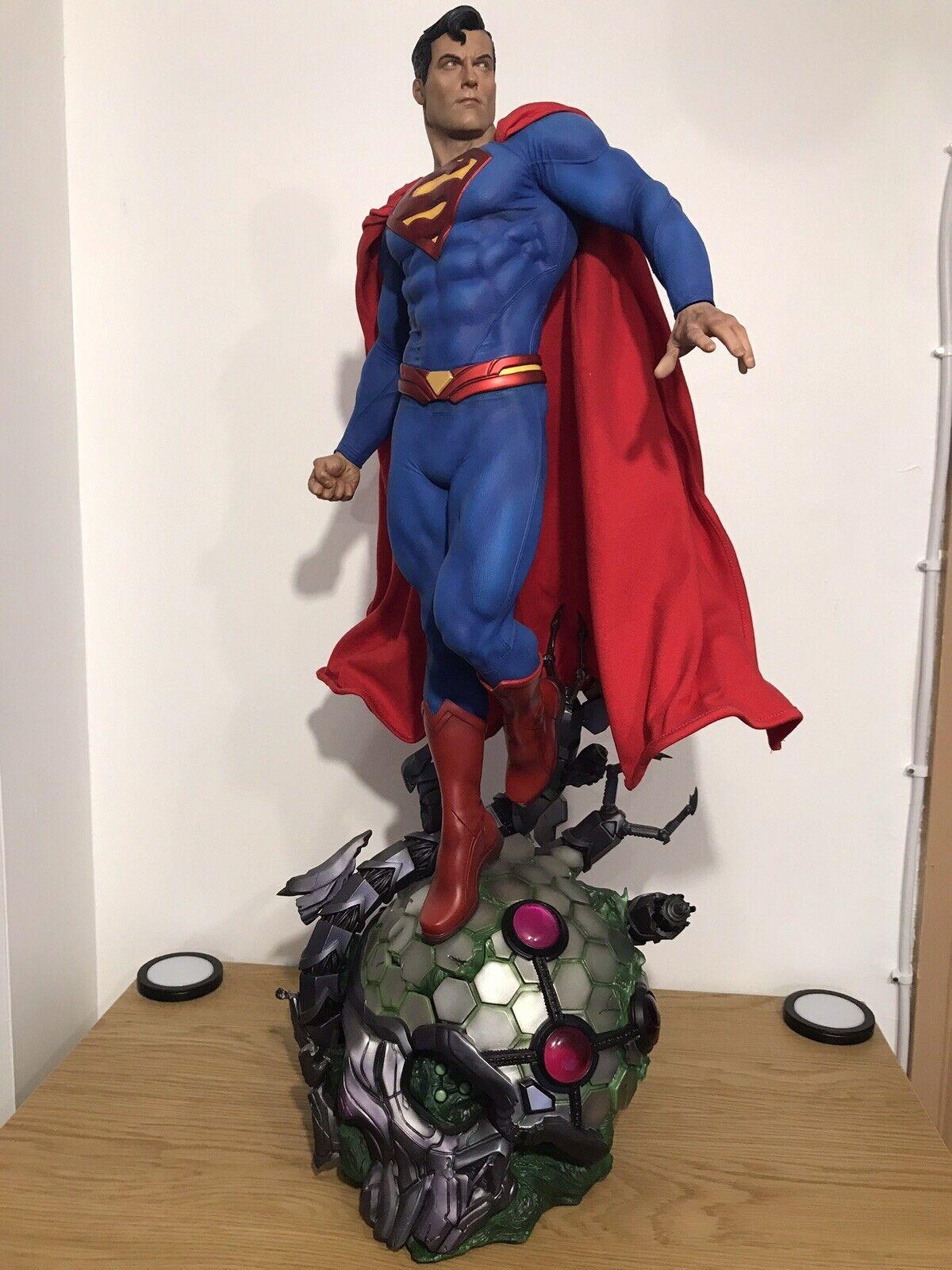 SIDESHOW PREMIUM FORMAT EXCLUSIVE SUPERMAN STATUE