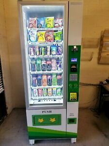 Combo vending machine with credit card reader