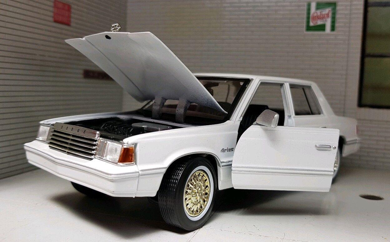 G LGB 1 24 Echelle Dodge Aries K 1982 1982 1982 Blanc Motormax Voiture Miniature 73335 b7c470