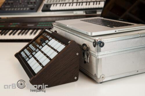 Native Instruments Maschine Mikro MK1 MK2 Echtholz Seitenteil Ständer Stand Sieb
