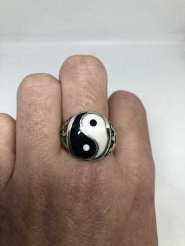 Vintage 925 Sterling Silver Yin Yang Amulet Size 11.5 Ring