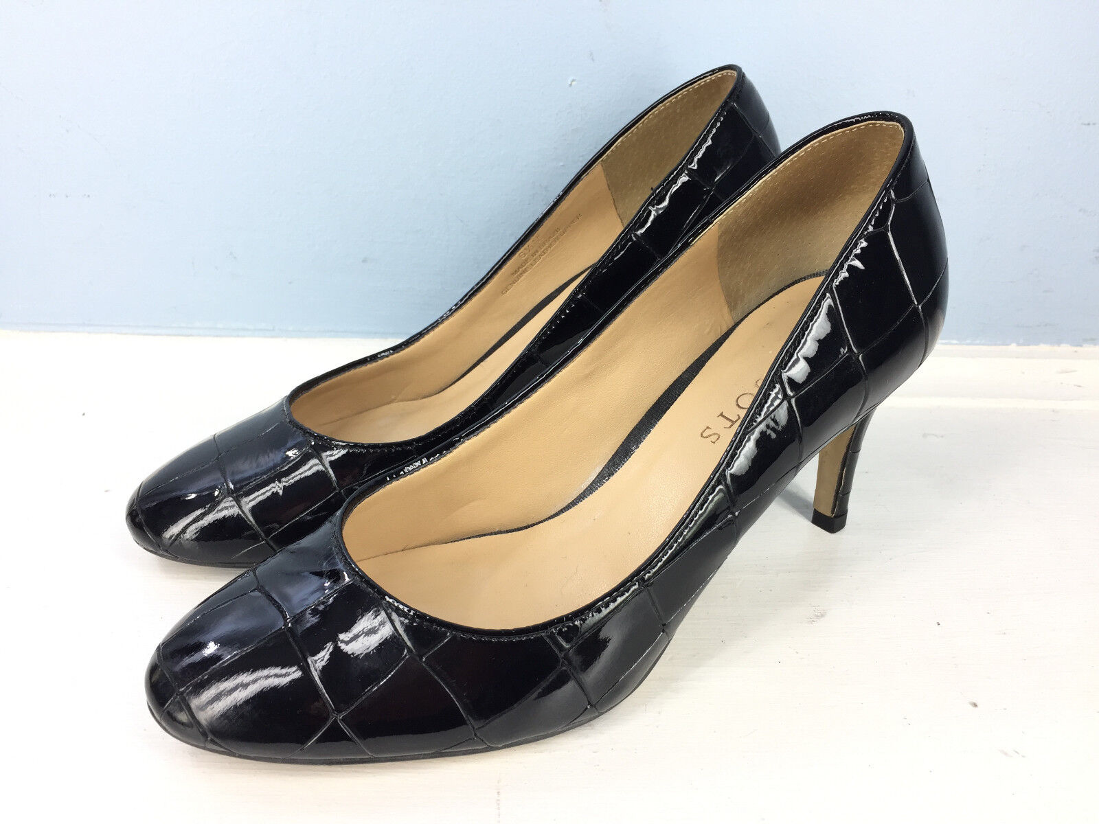 Talbots Black patent Leather Heels High Heels Leather Pumps Career Cocktail Embossed 6.5 M f8e95b