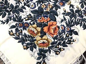 Pavlovo-Posad-style-foulard-russe-chale-laine-avec-frange-120x120-cm