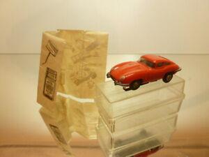 AURORA SLOT CAR JAGUAR E-TYPE - RED L6.8cm (H0) - GOOD CONDITION IN SHOW-CASE