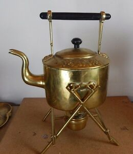 Edwardian-Soutter-amp-Son-Spirit-Kettle-Brass-Grape-Decoration-Ebonised-handle