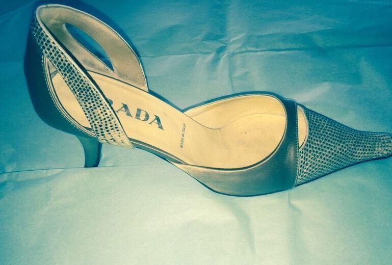 EUC Prada Beige Stamped Leather Leather Leather Snakeskin Print Toe w  Beige Satin Heels SZ 36 af7fe2