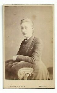 Serene-Victorian-Woman-Photo-by-Webster-Bros-Bayswater-6093