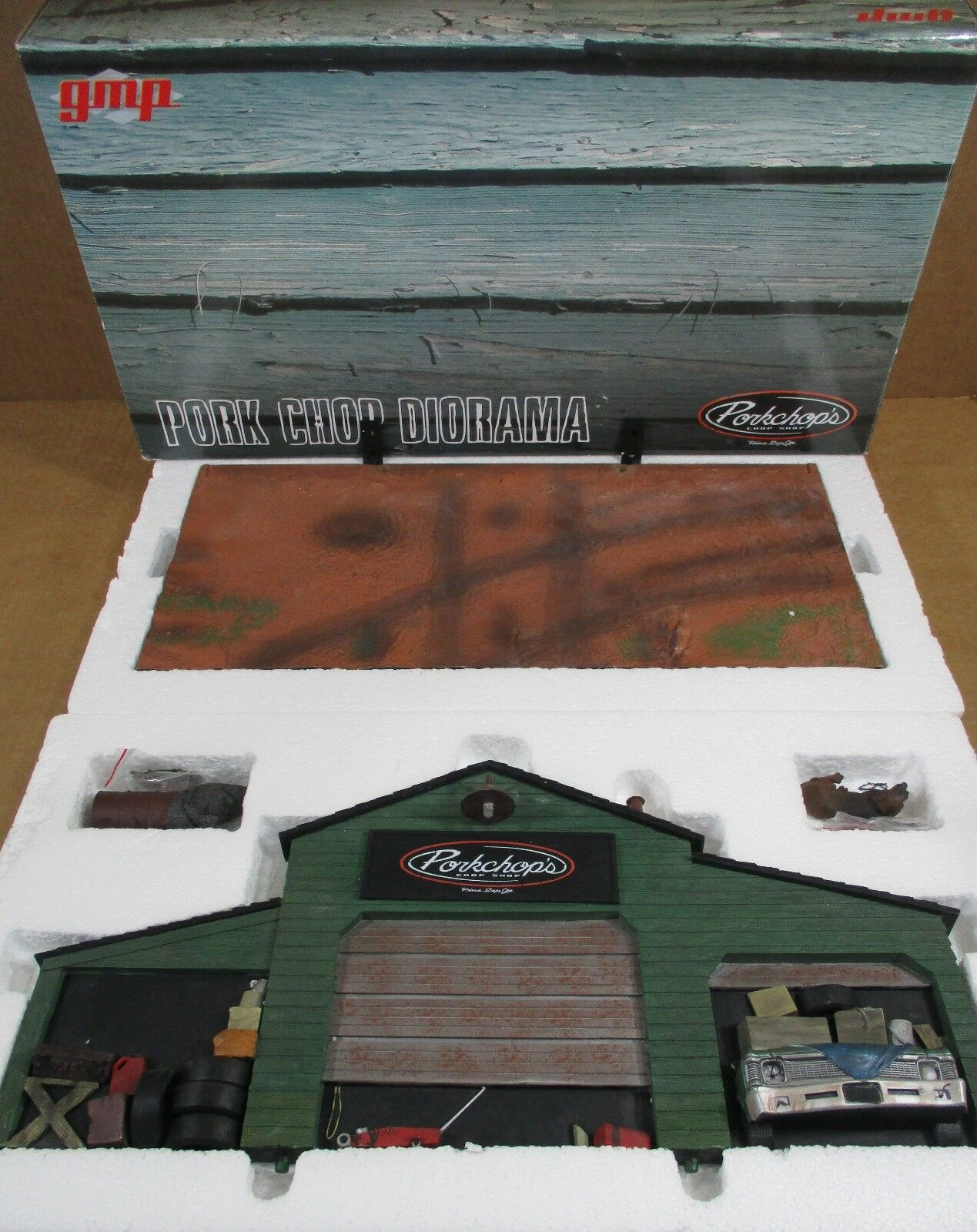 GMP Pork Chop Shop Garage Diorama With Light For Die-Cast 1:18 Car Nuovo In Box