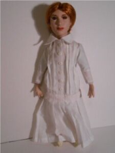 EMILY-DICKINSON-DOLL-OFFICIAL-EXCLUSIVE-16-034-NEW-PORCELAIN