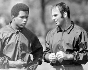 Image is loading GALE-SAYERS-amp-BRIAN-PICCOLO-8X10-PHOTO-CHICAGO- 750026963