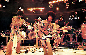 THE-OHIO-PLAYERS-1976-CONTRADICTION-TOUR-CONCERT-PROGRAM-BOOK-NMT-2-MINT