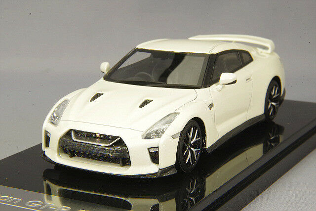 One Model 1 43 Nissan GT-R R35 2017 Pearl White from Japan