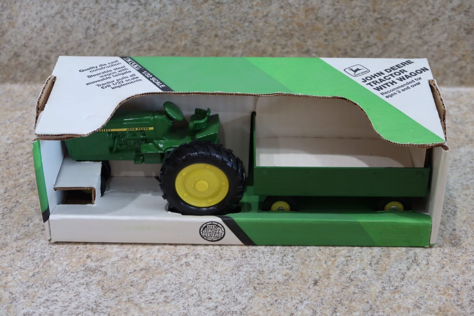 ERTL John Deere Tractor & Wagon 1 32 Farm Play Set Toy New In Box