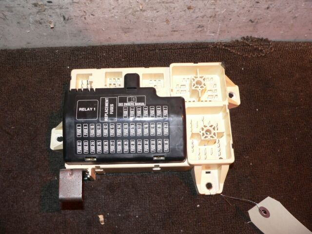 2005 Lincoln Ls V8 Interior Cabin Fuse Box