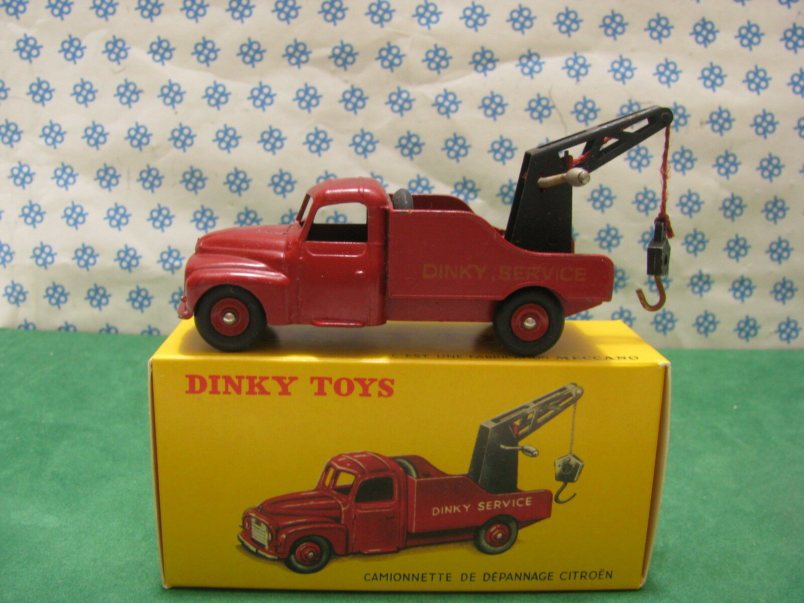 Vintage - CITROEN  U 23  Cammionette de Depannage - Dinky Toys 582    Original