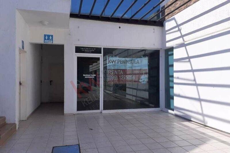 Local comercial sobre concurrida avenida de Mérida
