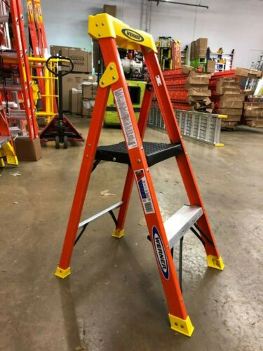 Werner C6204 3.5ft Type IA Fiberglass Compact Step Ladder