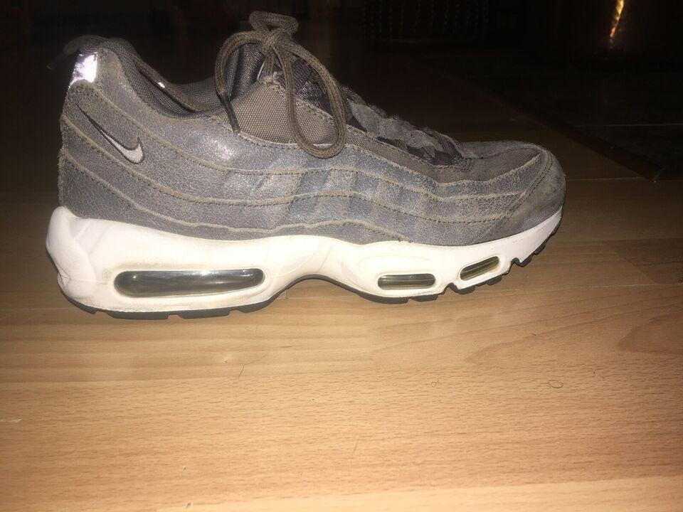 Sneakers, str. 42, Nike – dba.dk – Køb og Salg af Nyt og Brugt