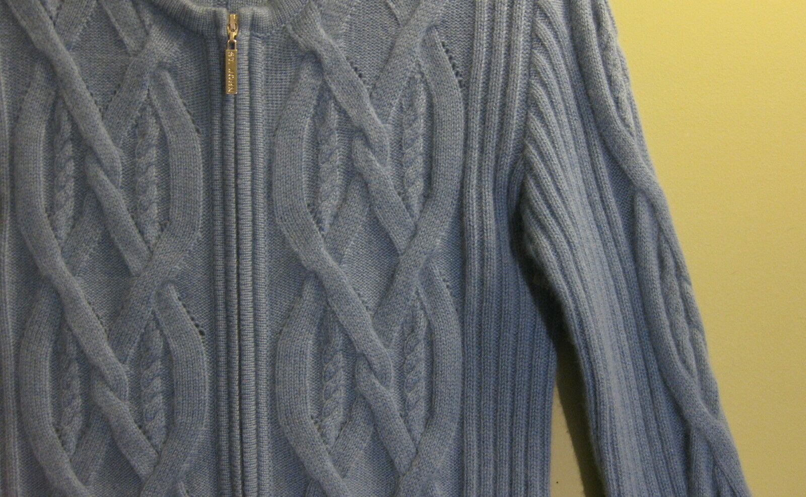 ST JOHN SPORT SPORT SPORT 100% CASHMERE Sweater P 0e5dcb