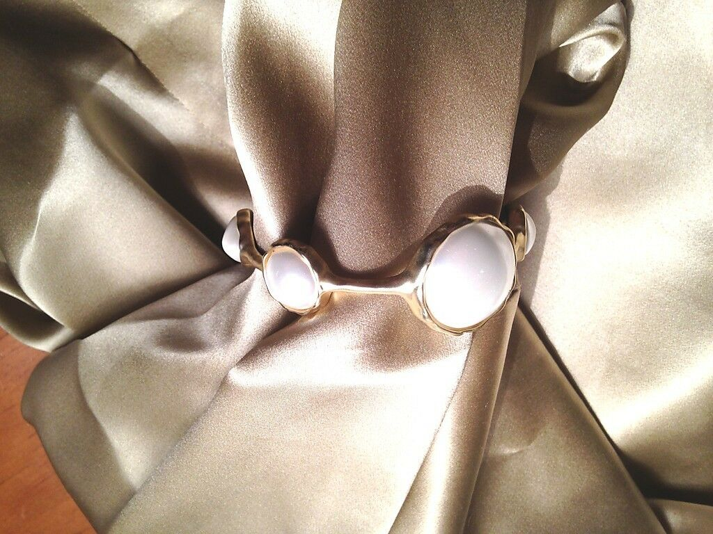 Signed Hammered Light gold Tone & Faux Pearl Bead Bracelet