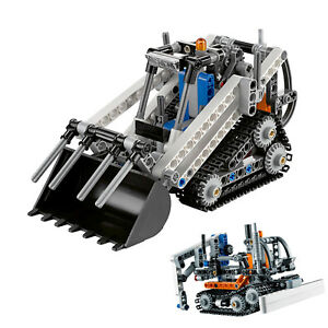Compact-Tracked-Loader-252-Block-Pcs-2-in-1-Rebuilds-to-Snow-Groomer