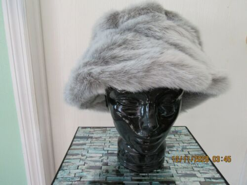 Women's Faux Fur Bucket Hat