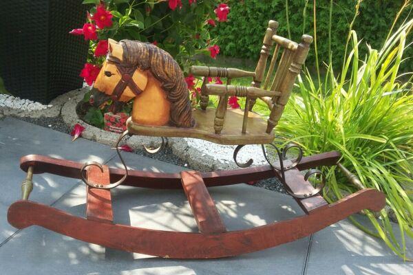 Kenntnisreich Schaukelpferd Hand Bemalt Holz Pferd Deko Massiv Holz Metall 88cm Kufen *rarität Angenehm Im Nachgeschmack