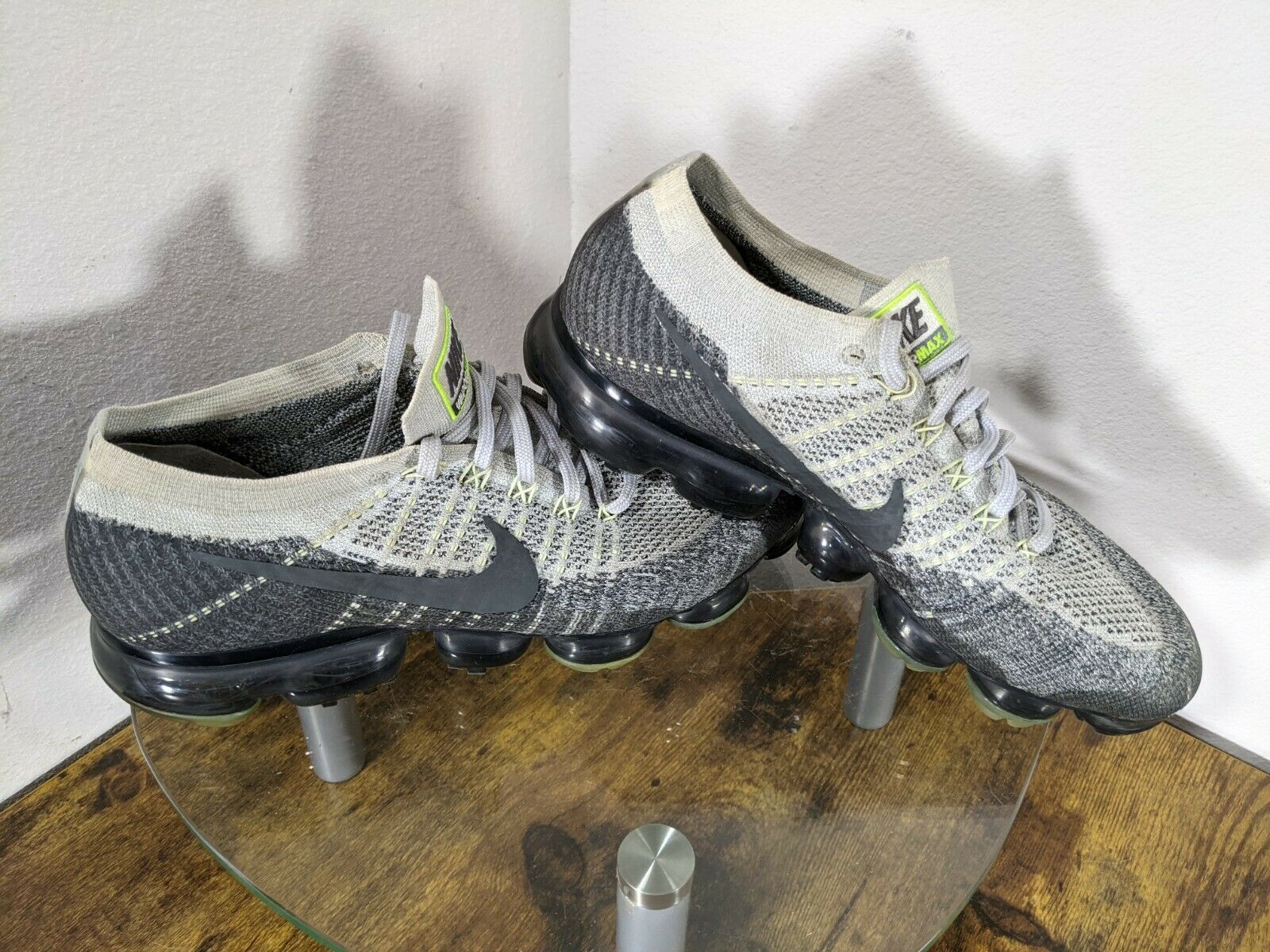 "Nike Air Vapormax Heritage ""Neon"" Mens 10 Gray / … - image 2"