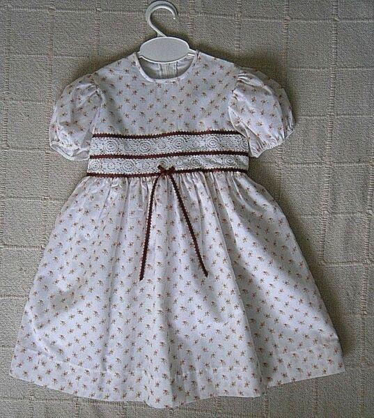 Adattabile Qualità Vintage Party Dress-età 4 Anni-bianco/arancio Floreale-foderato-nuovo