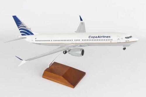 SKYMARKS SUPREME COPA 737-MAX9 1//100 W//WOOD STAND /& GEARBNSKR8264