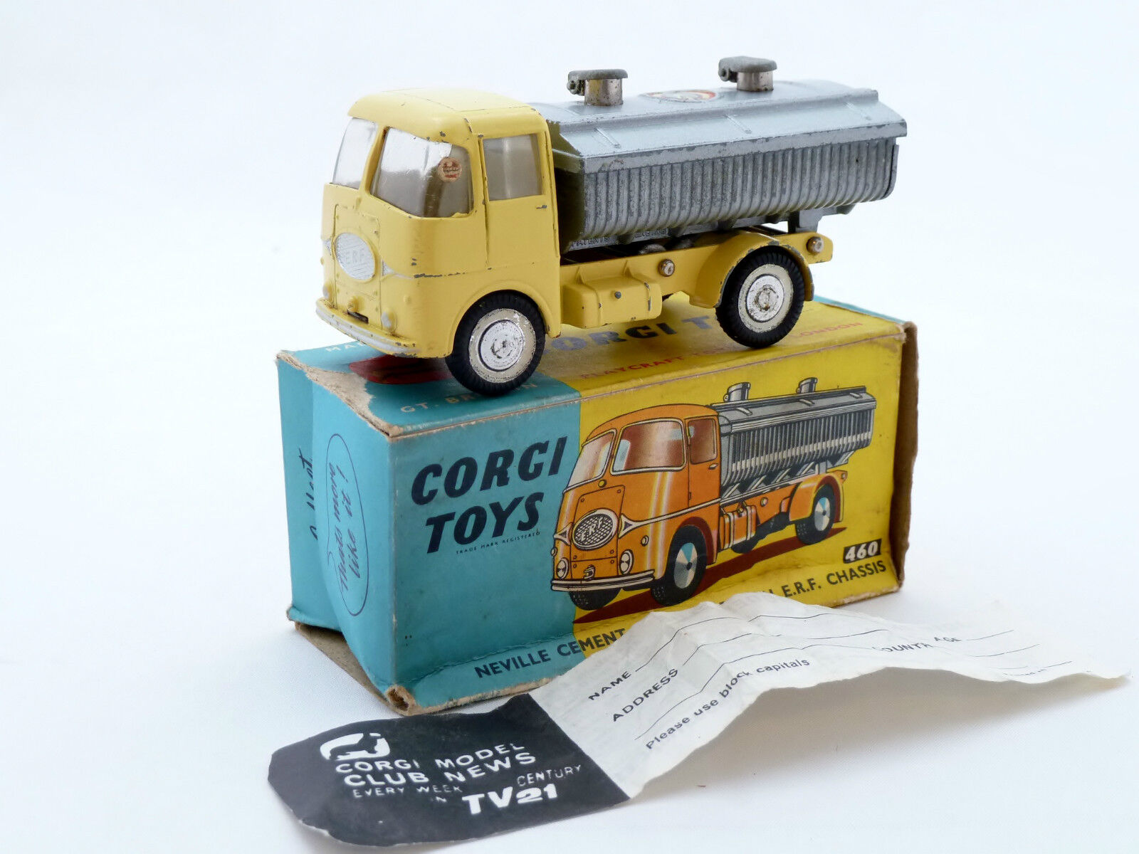CORGI 460 NEVILLE CEMENT TIPPER BODY ON E.R.F. CHASSIS