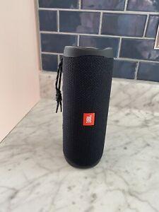 JBL Flip 5 Blue Portable Bluetooth Speaker Pre-owned