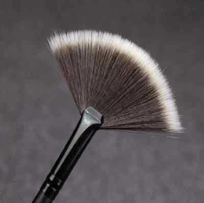 Pro Makeup Kabuki Contour Cosmetic Powder Blusher Blush Foundation Brush Tool