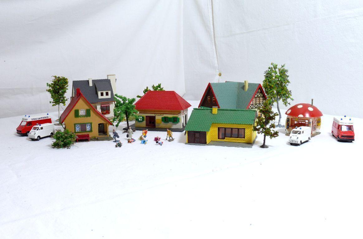 Faller etc. H0 5 Pcs House Kiosk Cars Trees Decor Figurines Etc.