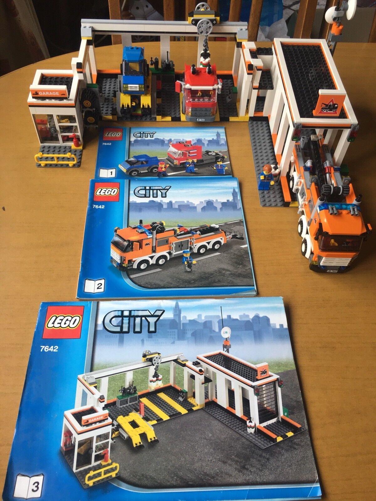 Lego City (7642) Garage, Excellent Condition