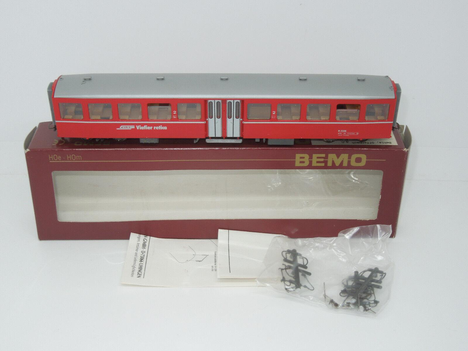 BEMO h0e 3284126 vagoni 2. KL RhB