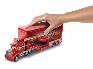 Disney-Cars-Lightning-McQueen-Transforming-Mack-Truck-Ages-4-New-Toy-Mattel-Car