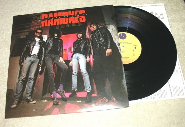 Ramones Halfway to Sanity LP EXCELLENT CONDITION 1987 Vinyl SIRE LABEL