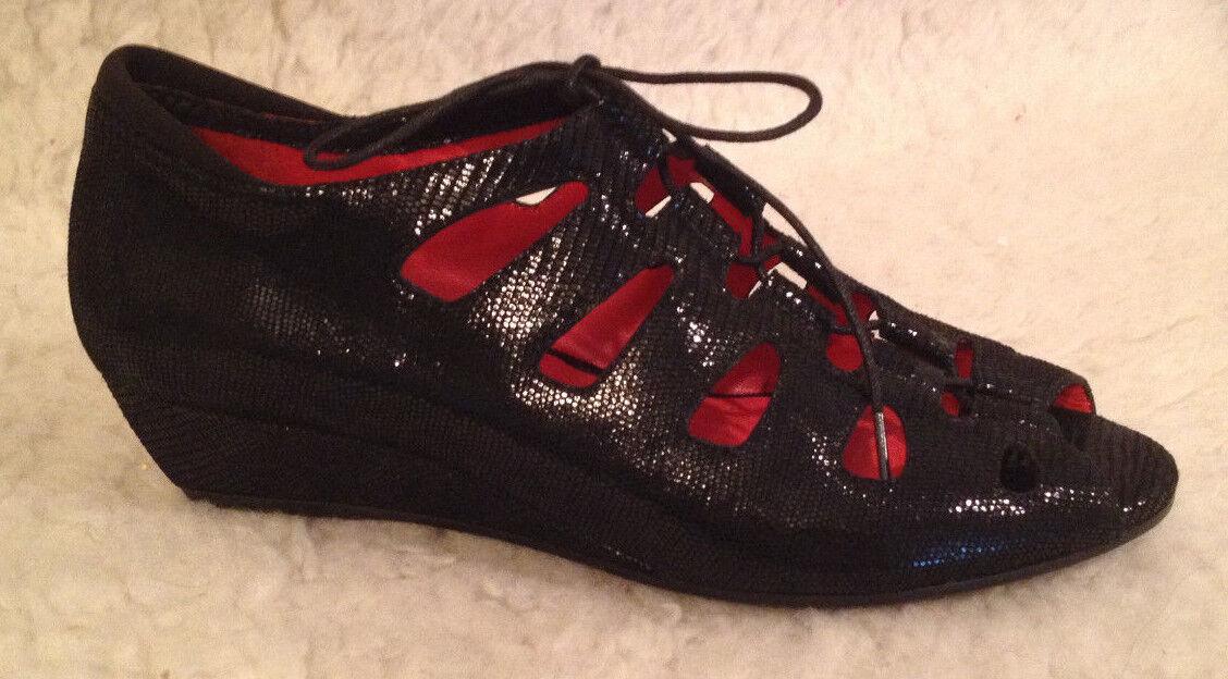 NIB 225 M MACCARI Diana BLACK Peep Toe Wedge Heel Sandale Schuhe Damenschuhe 42 11.5-12